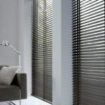houten-jaloezieen-raambekleding-500x700-12-kleur-op-kleur-interieur