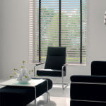houten-jaloezieen-raambekleding-500x700-13-kleur-op-kleur-interieur