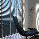 houten-jaloezieen-raambekleding-500x700-4-kleur-op-kleur-interieur