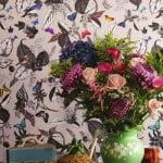 kleur-op-kleur-interieur-osbourne-little-klassiek-modern-totaal-interieur-bizonder-behang-500x700-1