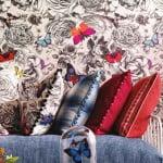 kleur-op-kleur-interieur-osbourne-little-klassiek-modern-totaal-interieur-bizonder-behang-woonstoffen-500x700-3