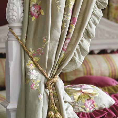 https://www.kleuropkleur.nl/wp-content/uploads/2013/11/klassieke-gordijnen-451x451-3-stoffen-kleur-op-kleur-interieur.jpg