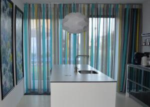 portfolio-interieurs-interieur-kleur-advies-raambekleding-iste-elementen-wand-aankleding-op-kleur-interieur-940x600-1cs