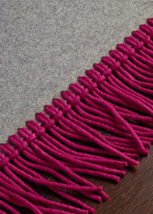 Karpetten met randafwerking kleur op kleur interieur - Kleur en materialen ...