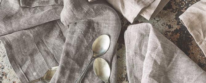 vouw-gordijnen-grove-linnen-stoffige-zachte-tinten-stoere-linnen-kwaliteit-woonstoffen-2017-kleur-op-kleur-interieur-9