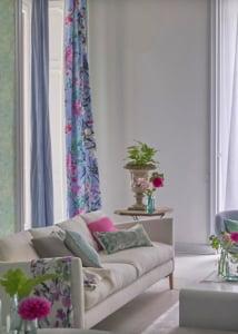 designers-guild-collectie-behang-kussens-gordijnen-bloemen-flora-plaids-kleur-op-kleur-interieur-2017-500x700-4