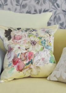 designers-guild-collectie-behang-kussens-gordijnen-transparant-bloemen-flora-fauna-plaids-kleurrijk-kleur-op-kleur-interieur-2017-500x700-28