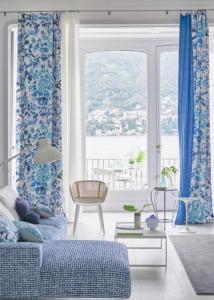 designers-guild-collectie-behang-kussens-gordijnen-transparant-bloemen-klassiek-flora-fauna-plaids-vakantiewoning-standhuis-kleurrijk-kleur-op-kleur-interieur-2017-500x700-29