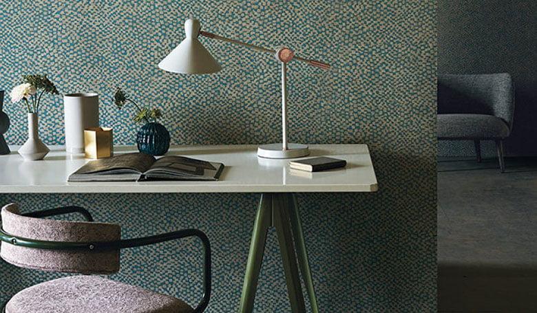 wandbekleding-behang-luxueuze-vinyl-bedrukte-dessins-bloemen-relief-780x455-kleur-op-kleur-interieur-2017-3