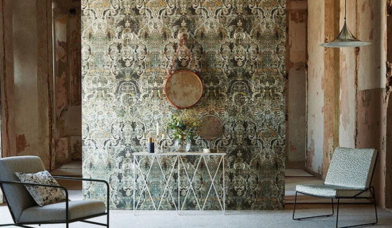 wandbekleding-behang-luxueuze-vinyl-bedrukte-dessins-bloemen-relief-780x455-kleur-op-kleur-interieur-2017-6