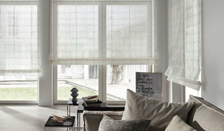 vouwgordijnen-linnen-stoffen-naturel-landelijk-modern-maatwerk-jab-kleur-op-kleur-interieur-780x455-4