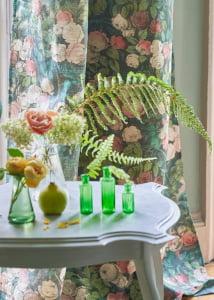 florale-bloemen-pastel-gordijnen-raambekleding-kleurrijke-interieurs-designers-guild-curtens-kleur-op-kleur-interieur-11